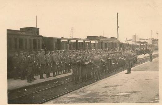 1941-a-la-gare_13